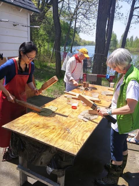Aimee Lee, Beating fiber to make hanji while teaching students at Paper Book Intensive 2016 at Ox-Bow in Saugatuck, Michigan.